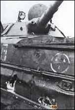 Три попадания в двигатель БМП-1 из РПГ говорят о высоком профессионализме гранатометчиков НВФ, участвовавших в боях с федеральными войсками в Грозном. Февраль 1995 г.»