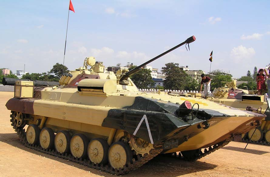 http://btvt.narod.ru/4/bmp2_0.files/BMP-2_india.jpg